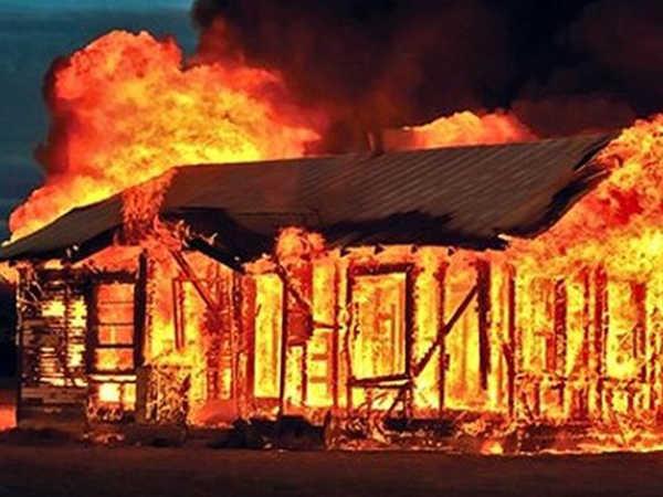 Mơ cháy nhà là điềm báo gì - Đánh con đề nào vào bờ an toàn?