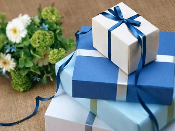 Mơ được tặng quà có phải vận may, đánh con lô nào trúng lớn?