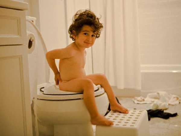 Mơ thấy đi vệ sinh đánh con nào dễ trúng, là điềm đen hay đỏ?