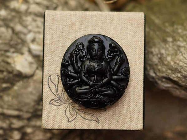 Phật bản mệnh tuổi Tị giúp tài lộc vững bền, tình cảm an hòa