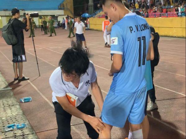Bóng đá Việt Nam 23/7: Thần y Choi xem giò trò cưng của HLV Huỳnh Đức