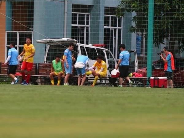 Bóng đá Việt Nam tối 26/8: Tiền đạo HAGL chia tay U22 Việt Nam