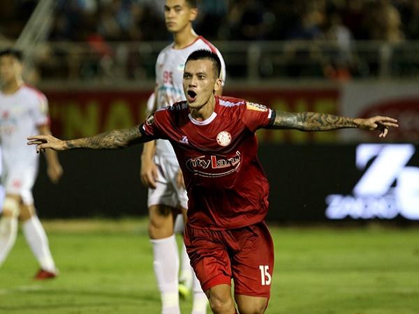 Bóng đá Việt Nam sáng 14/10: Cầu thủ TP.HCM bị phạt nặng vì đi đá phủi