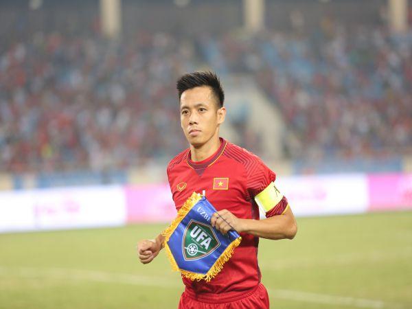 Tin BĐ Việt Nam 24/1: Văn Quyết làm nên lịch sử của bóng đá Việt Nam