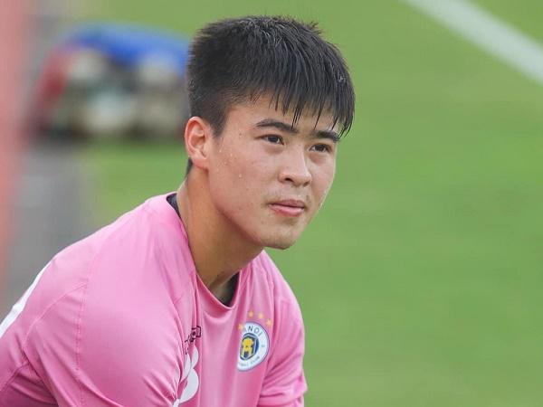"""Bóng đá Việt Nam 11/5: Duy Mạnh nói về """"đàn em"""" Thanh Bình"""