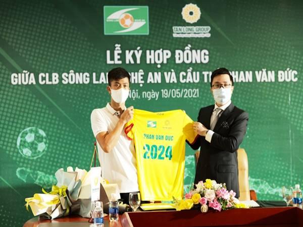 Bóng đá VN 20/5: Phan Văn Đức đồng ý ở lại SLNA đến năm 2024