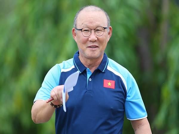 Bóng đá Việt 18/6: Thầy Park lên tiếng về tương lai