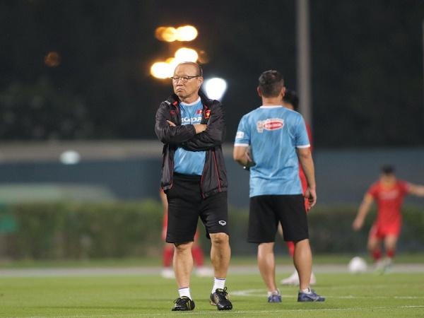 Bóng đá Việt Nam 1/6: HLV Park Hang Seo hoán đổi số áo các cầu thủ