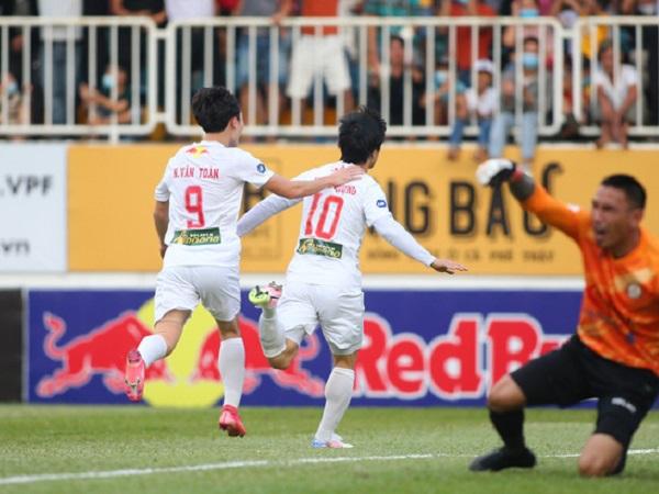 Bóng đá Việt Nam 31/7: V.League 2021 chỉ 1 đội xuống hạng